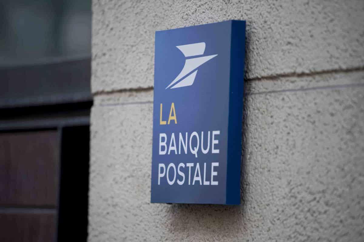 Les cartes bancaires à la Banque Postale - ADICIE