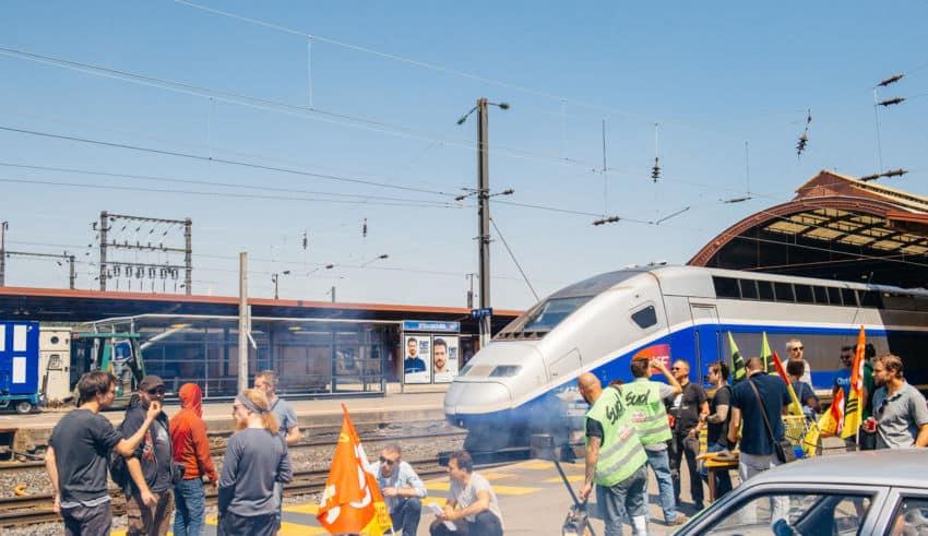 Calendrier Des Grèves Sncf 2020.Calendrier Des Greves Sncf 2019 Et Alternatives Au Train
