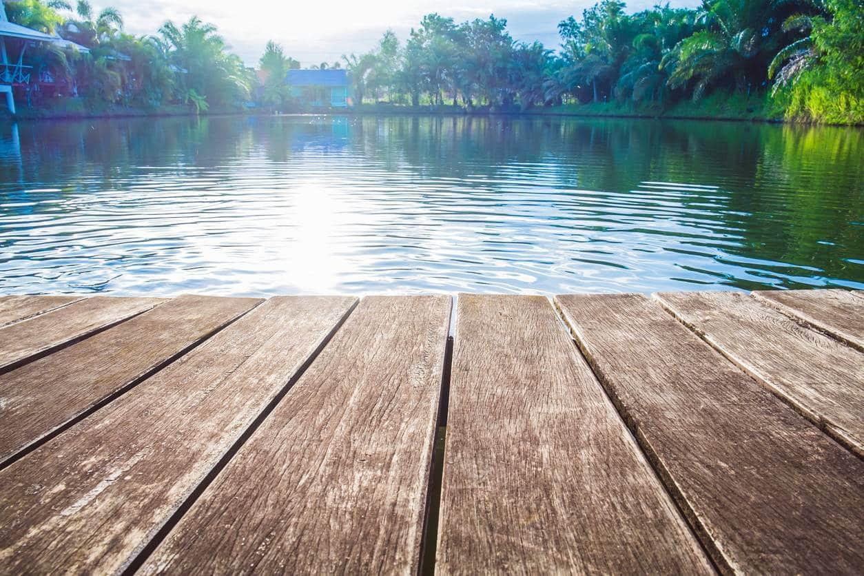 ponton bois flottant