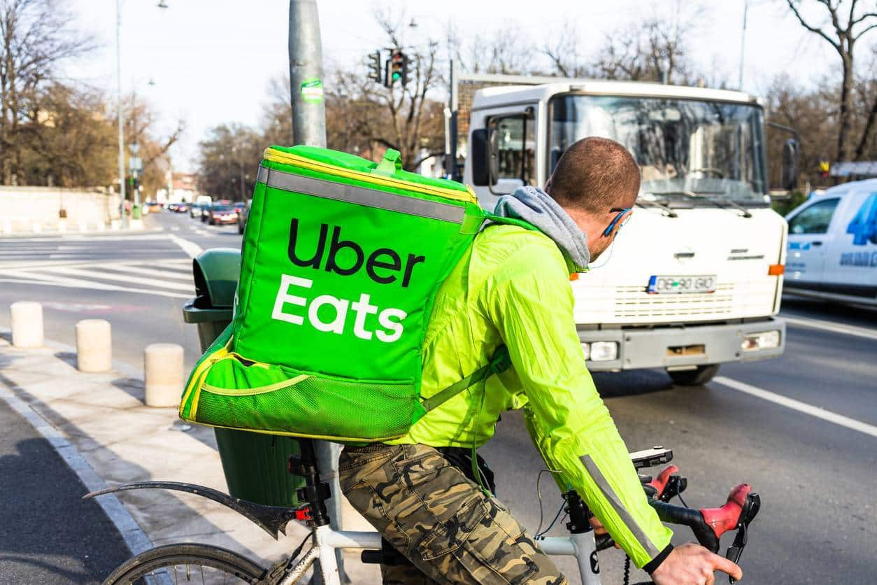 coursier UberEats