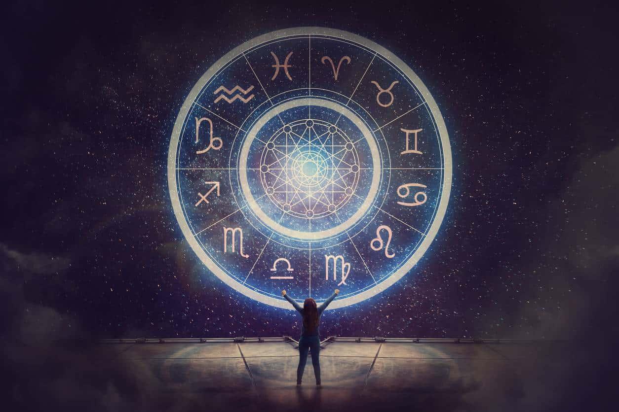 La voyance et l'astrologie